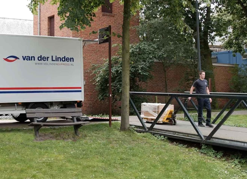 Spoedtransport voor B2B en B2C! - van der Linden Express